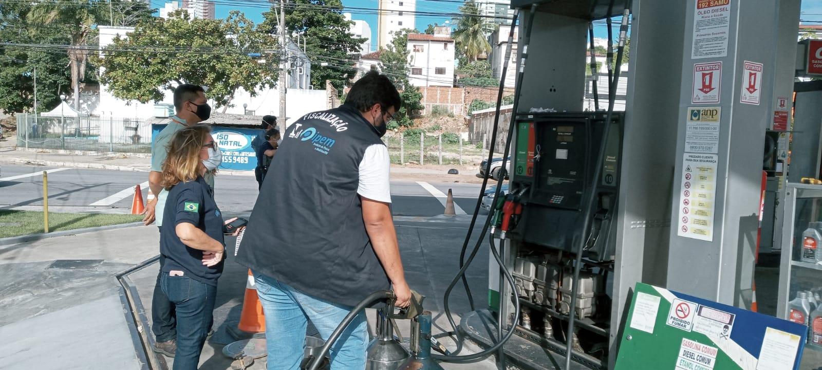IPEM/RN realiza Operação Relâmpago para fiscalizar bombas de combustíveis