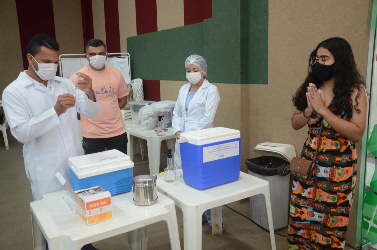 São Gonçalo é a 1ª cidade da Grande Natal a vacinar população acima de 18 anos contra a covid-19