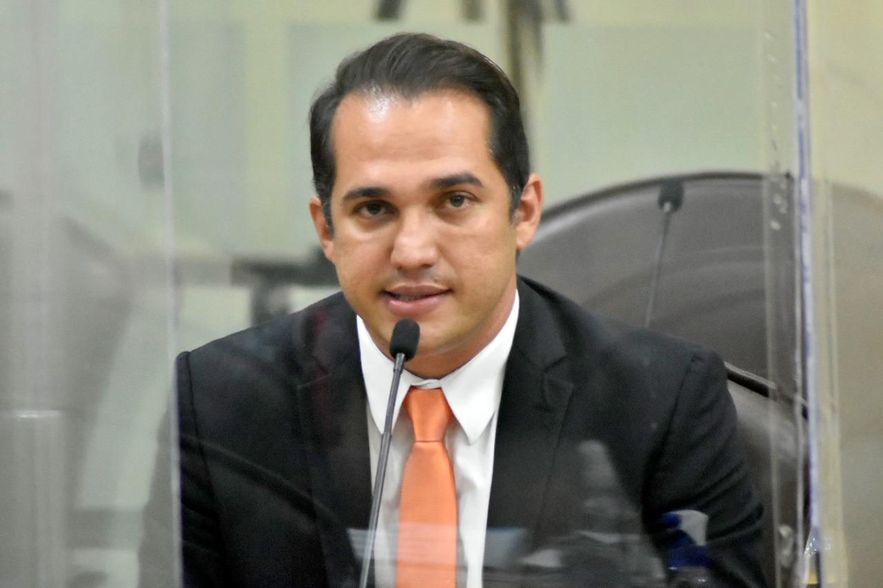 Deputado Kleber Rodrigues faz pronunciamento e cobra do governo mais atenção para os municípios da Região Agreste