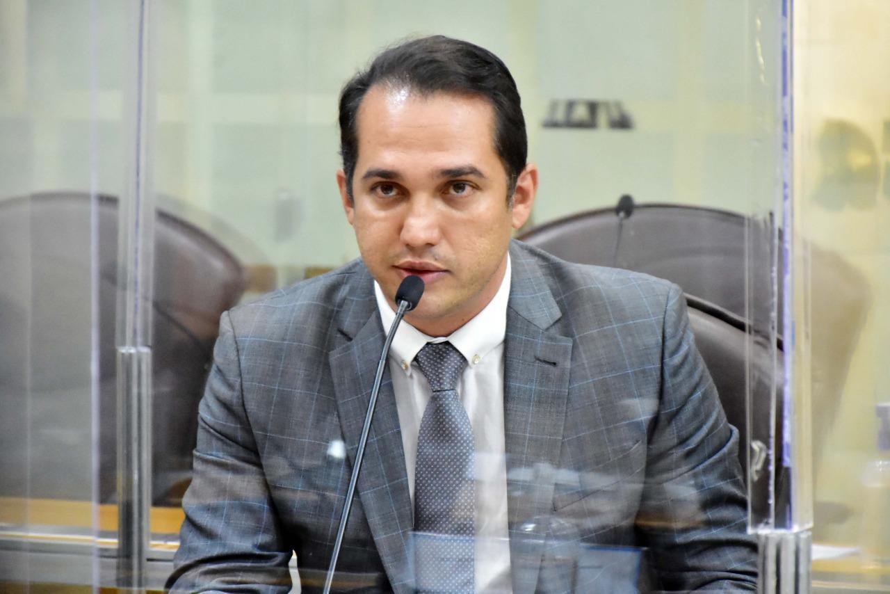 Projeto do deputado Kleber  Rodrigues de proteção a crianças e adolescentes é aprovado e recebe o nome de Lucas Santos