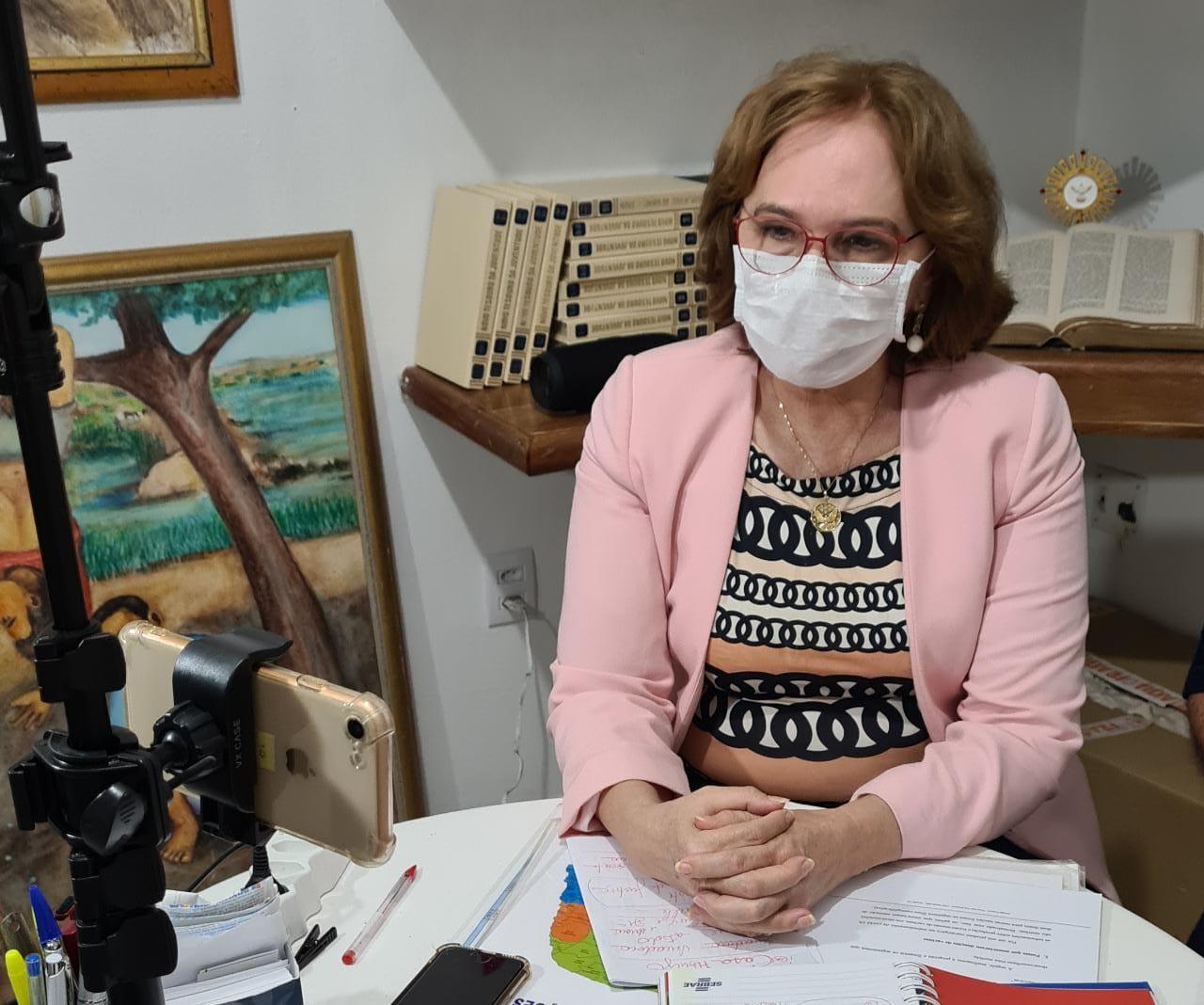 """Zenaide sobre PL da Enfermagem: """"Não mudei uma linha do meu relatório! Qualquer mudança no Piso terá de ser aprovada pelos profissionais!"""""""