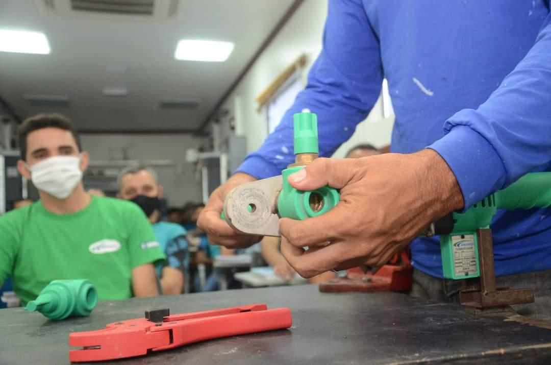 Prefeitura de São Gonçalo abre inscrições para curso de Instalação Hidráulica