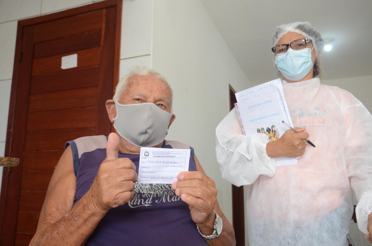 Confira os grupos e locais de vacinação contra a covid-19 desta semana
