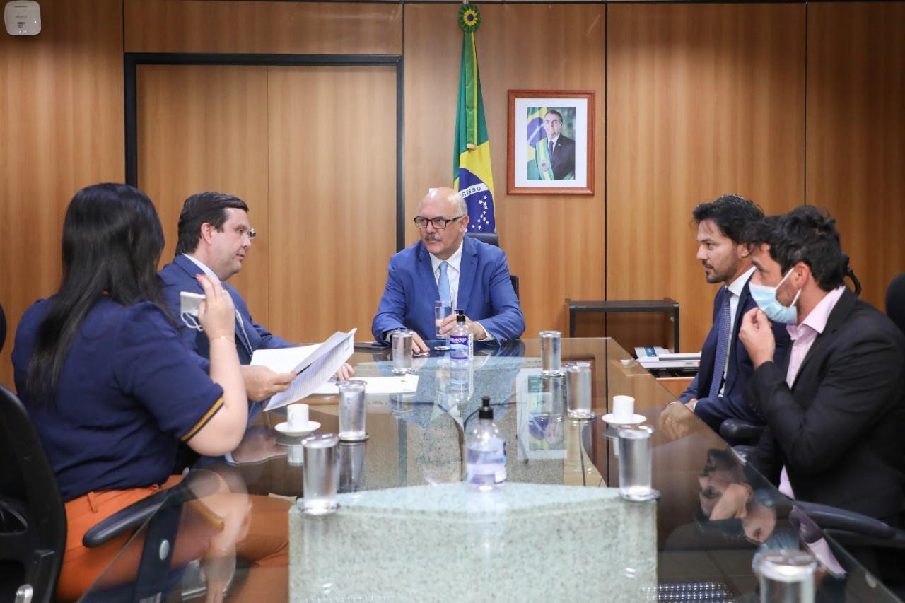 Deputado Galeno reforça pleito por curso de medicina na UFERSA de Pau dos Ferros